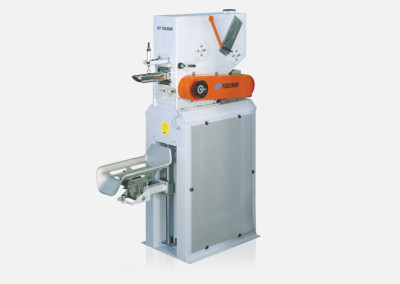 Static bagging machines for valve bags